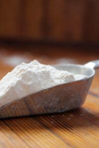 6.flour in scooper