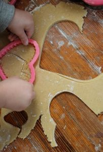 9.cutting out cookies